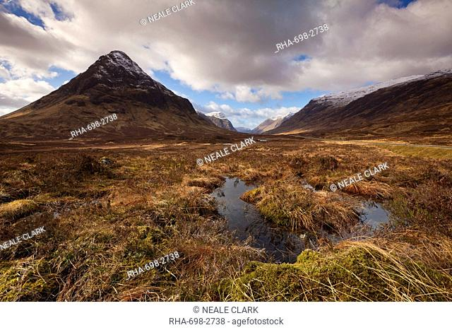 Buachaille Etive Beag, and small lochan at the top of Glen Coe, Rannoch Moor, Highlands, Scotland, United Kingdom, Europe