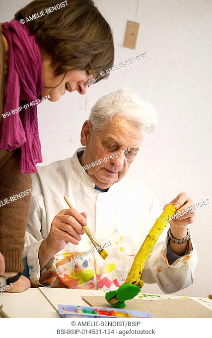 Reportage in a rehabilitation centre in Germany. The centre has an AlzheimerÆs unit where residents can take part in art therapy workshops