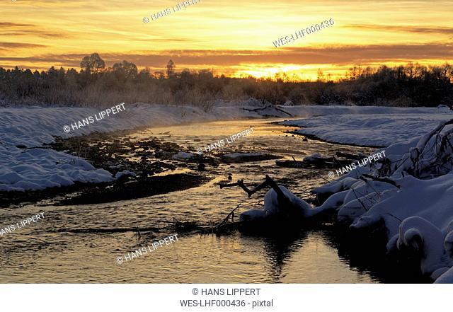Germany, Bavaria, morning mood at the Isar floodplains