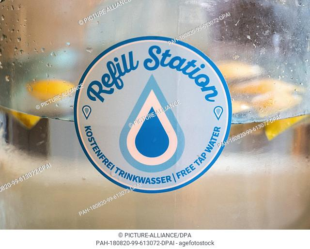 """09 August 2018, Germany, Frankfurt am Main. The non-profit organization """"""""Refill Germany"""""""" was founded in 2017 and is committed to the avoidance of plastic..."""