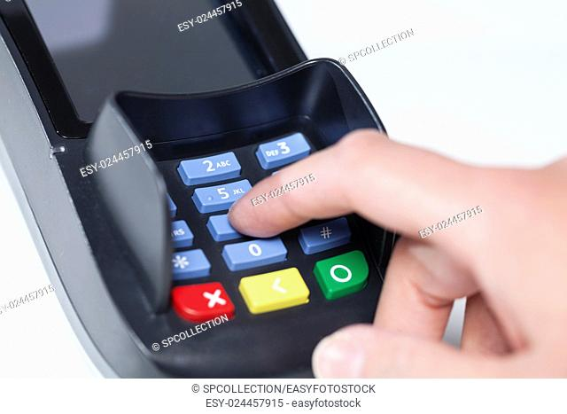 Entering Pin Code in a reading device for payment in a shop