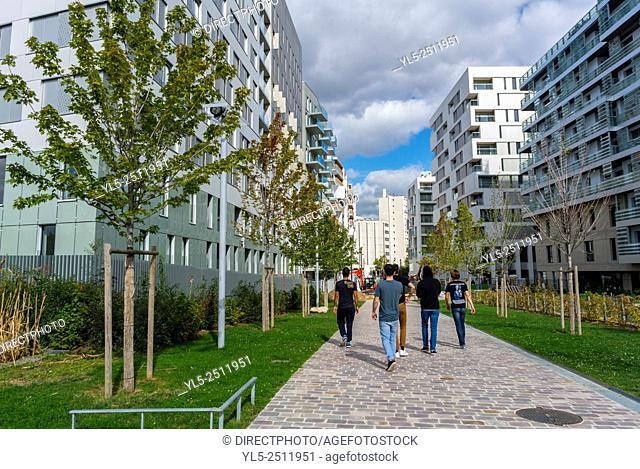 Paris, France, Group Teens Walking in New Modern Architecture Project, Garden Martin Luther King, Eco-Quartier Clichy-Batignolles