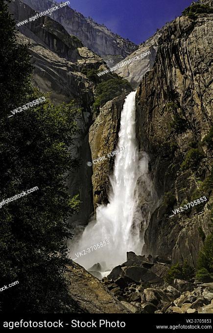 Lower Yosemite Falls, Spring