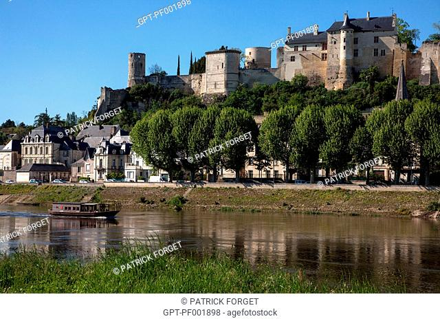 BANKS OF THE VIENNE IN FRONT OF THE CHATEAU DE CHINoN ROYAL FORTRESS, 'LOIRE A VELO' CYCLING ITINERARY, INDRE-ET-LOIRE 37, FRANCE