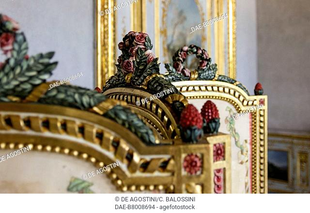 Floral decorations, detail of the Louis XV style folding screen, by Giuseppe Maria Bonzanigo (1745-1820), anteroom, King's apartment