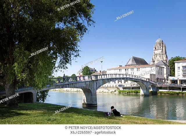 Rigid frame pedestrian footbridge over the River Charente at Saintes and The Cathedral