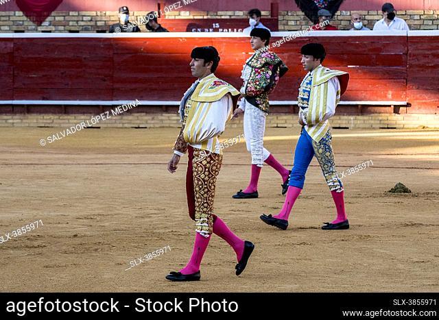 La Plaza de Toros de la Merced (Huelva) acogió el martes 3 de agosto una Corrida de Toros en la que se lidiaban las reses de Juan Pedro Domecq por los toreros...