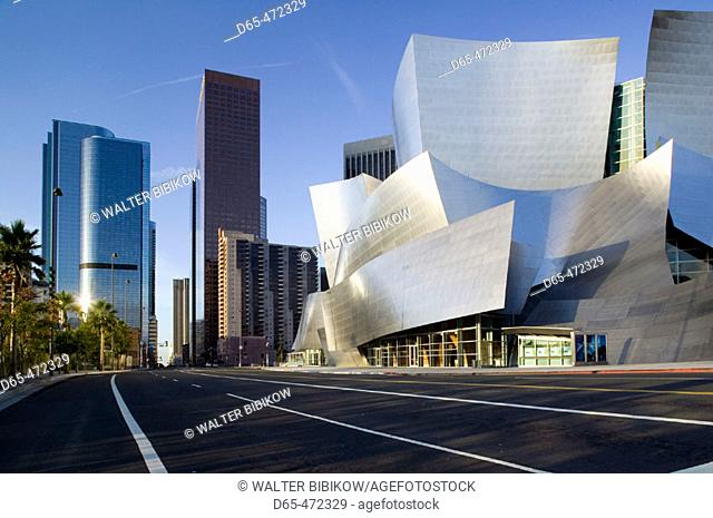 Walt Disney Concert Hall -(b.2004) Architect: Frank Gehry. Downtown. Los Angeles. California. USA