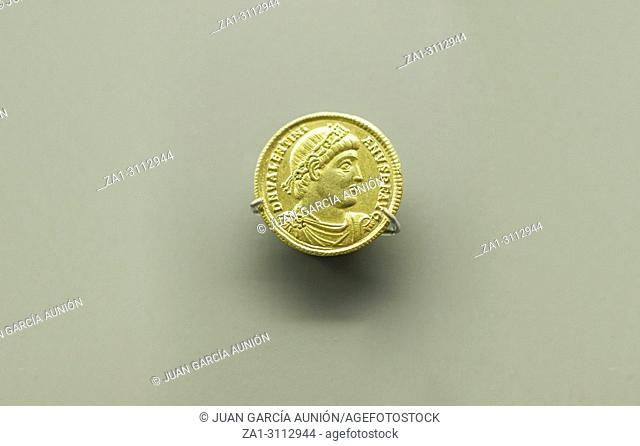 Roman gold coin of augustus Stock Photos and Images | age fotostock