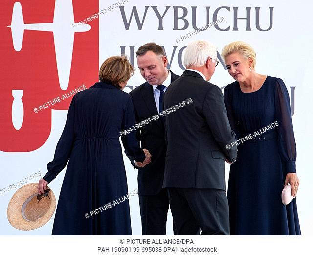 01 September 2019, Poland, Warschau: Polish President Andrzej Duda (2nd from left) and his wife Agata Kornhauser-Duda (r) welcome Federal President Frank-Walter...