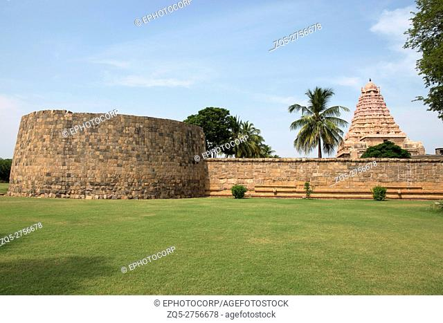 Bastion and outer wall, Brihadisvara Temple, Gangaikondacholapuram, Tamil Nadu, India. View from East