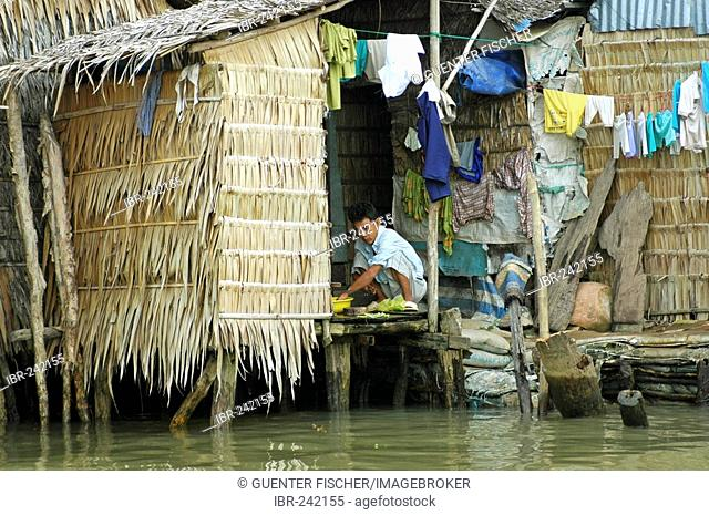 Living at the riverside, Can Tho, Mekong Delta, Vietnam