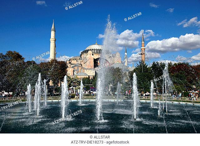 FOUNTAIN & HAGHIA SOPHIA MOSQUE, AYA SOFYA; SULTANAHMET, ISTANBUL, TURKEY; 03/10/2011
