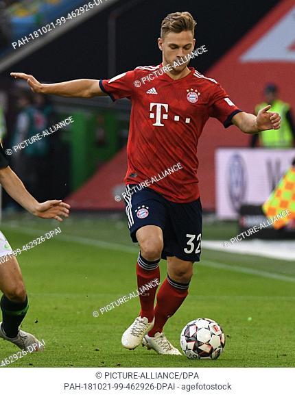20 October 2018, Lower Saxony, Wolfsburg: Soccer: Bundesliga, Matchday 8: VfL Wolfsburg - Bayern Munich in the Volkswagen Arena