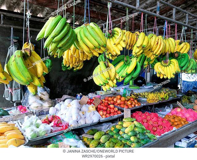 Thailand, Chang Wat Phang-nga, Tambon Khuekkhak, fruit market in Takuapa