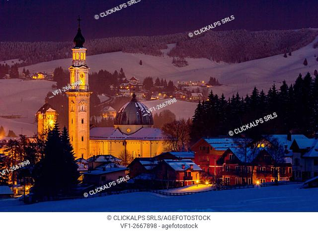 Town, Altopiano of Asiago, Province of Vicenza, Veneto, Italy. Cathedral of Saint Matteo at night