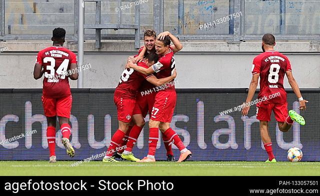 firo, soccer: 3rd Bundesliga: season 19/20: 13.06.2020 MSV Duisburg - Kickers Wurzburg 1-1 jubilation to 0-1 for Wurzburg around HANSEN   usage worldwide