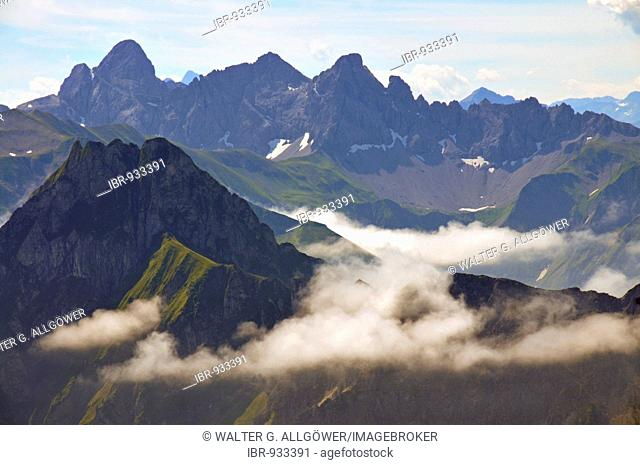 Panorama from Nebelhorn Mountain over the Hoefats towards Trettachspitze, Maedelegabel and Hohes Licht mountains, Allgaeuer Alps, Bavaria, Germany, Europe