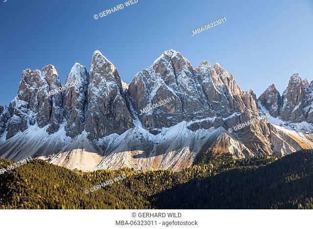 The gruppo delle Odle (mountain) with Wasserkofel (2924 m), Odla di Valduessa (2936 m), Furchetta (3025 m), Sass Rigais (3025 m) and Mittagsscharte (2597 m)