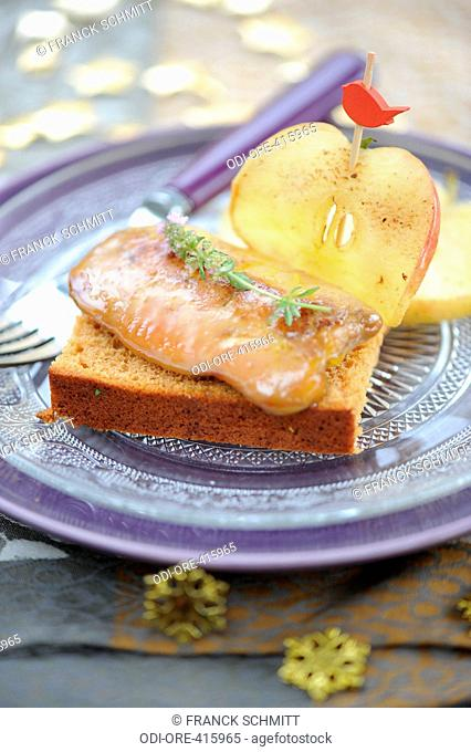 Cooked foie gras with apples