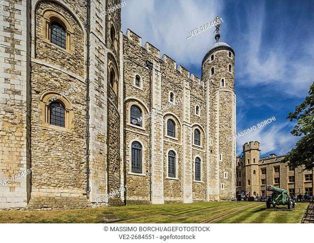 Tower of London, view of the White Tower, London, England, UK