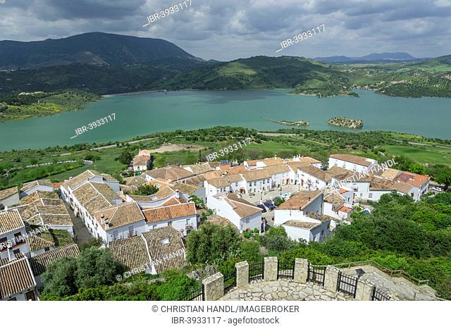 View over the village on the Zahara-El Gastor Reservoir, Zahara de la Sierra, Andalucía, Spain