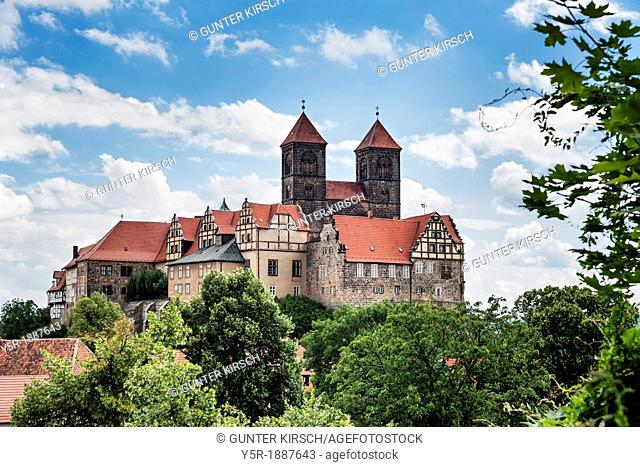 Castle and Collegiate Church of St Servatius on the Schlossberg, Quedlinburg, Saxony-Anhalt, Germany, Europe