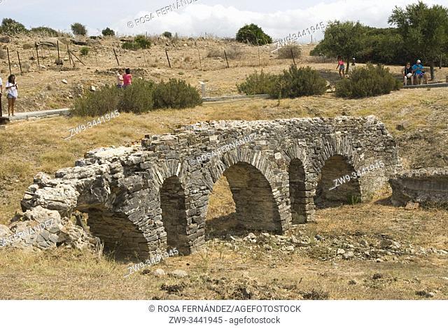 Aqueduct, Ruins of the Roman town of Baelo Claudia, Bolonia, archaeological site, II century, Tarifa, province of Cádiz, Andalucia, Spain