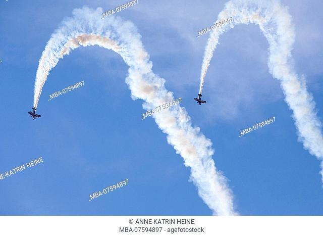 Air show stunt flying by Acroteam Meschede at 'Flugtage Soest Bad Sassendorf' 2018, Air strip Bad Sassendorf, Soester Börde, Haar, Germany