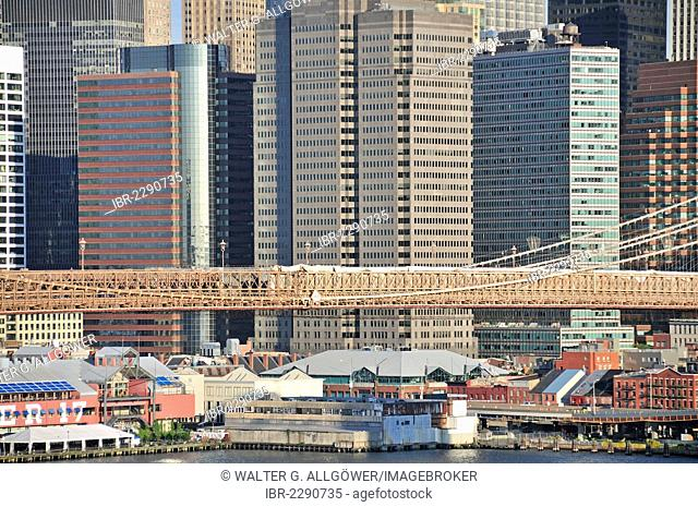 High-rise buildings, Financial District in Lower Manhattan and Brooklyn Bridge, view from Manhattan Bridge, Manhattan, New York City, USA, North America