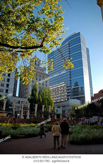 Buildings at Pioneer Courthouse Square, downtown Portland, Oregon, USA