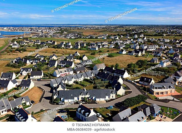 France, region of Brittany, View from the lighthouse Phare de Eckmühl to Saint Pierre village