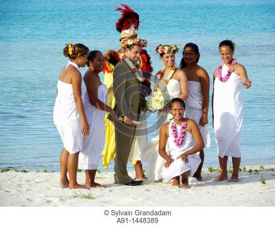 French Polynesia, Windward islands archipelago, bora bora island, Saint Regis luxury hotel and resort, so-called Polynesian traditional wedding