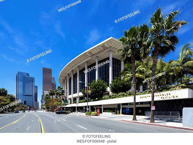 USA, California, Los Angeles, Music Center, Grand Avenue and Dorothy Chandler Pavilion