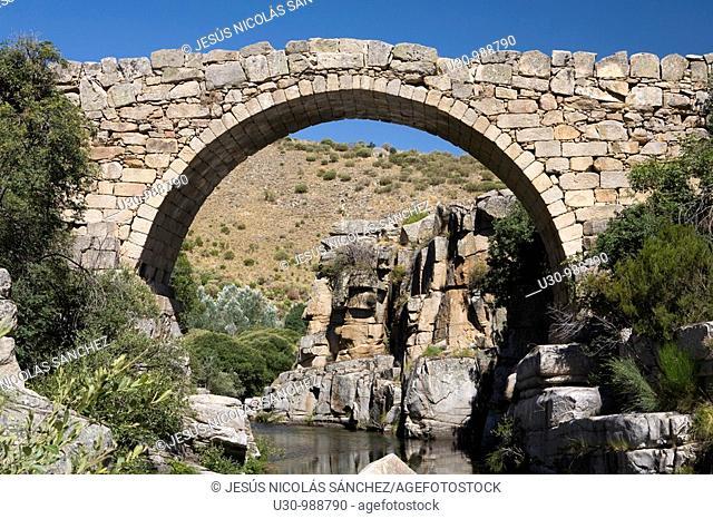 Bridge on the Barbellido river, in the Sierra de Gredos Regional Park  Navacepeda de Tormes  Avila  Castilla y Leon  Spain