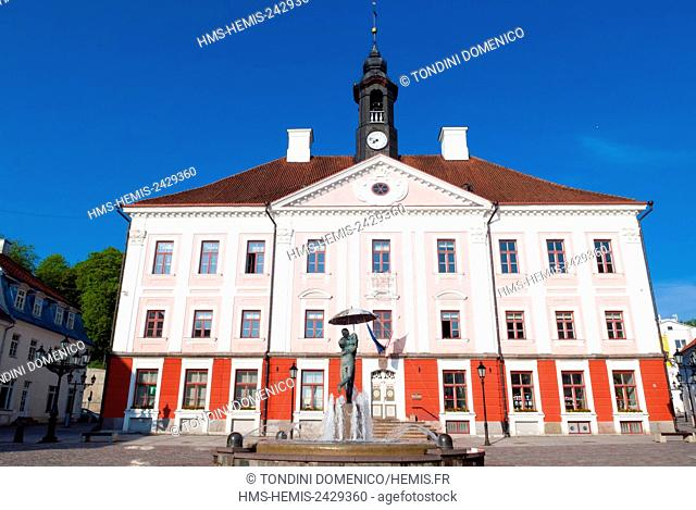 Estonia (Baltic States), Tartu region, Tartu, Raekoja Square (Raekoja plats), Town Hall