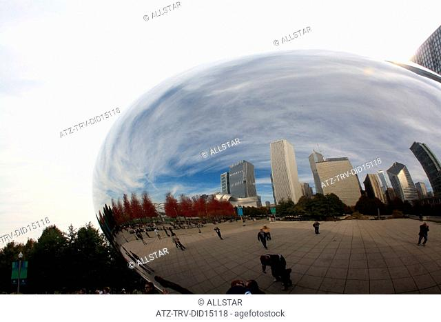 THE CLOUD GATE - THE BEAN; AT&T PLAZA, CHICAGO, USA; 10/11/2010