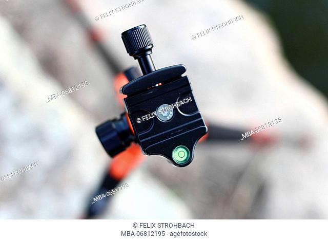 Tripod with spirit level from above