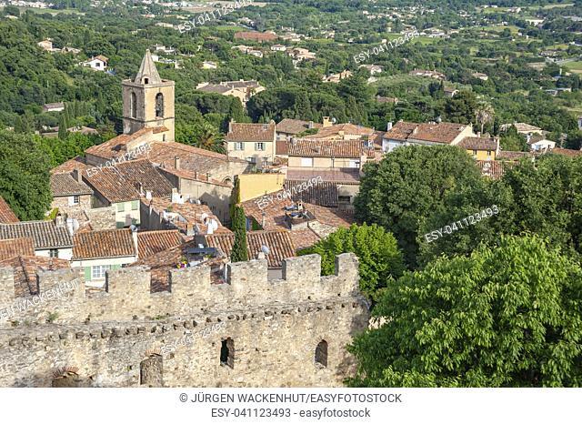 Townscape with the church Saint Michel, Grimaud-Village, Var, Provence-Alpes-Cote d`Azur, France, Europe