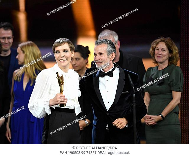 """03 May 2019, Berlin: The team of the film """"""""Gundermann"""""""" receives the Lola in Gold at the 69th German Film Award """"""""Lola"""""""" in the category """"""""Best Feature Film"""""""""""