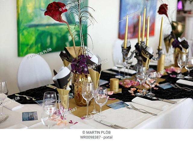 table decoration in restaurant of golf club Fontana
