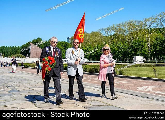 09.05.2020, Berlin, at the Soviet War Memorial in Treptower Park (Treptower War Memorial), a memorial and at the same time a military cemetery