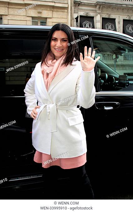 Laura Pausini leaves a hotel while on tour for her new album Fatti Sentire Featuring: Laura Pausini Where: Paris, France When: 29 Mar 2018 Credit: WENN