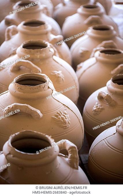 Vietnam, Quang Ninh province, Dong Trieu City, pottery, amphorae molding