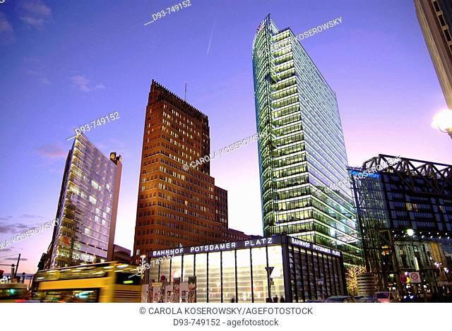 D, Germany, Europe, Berlin, Capitol, Potsdamer Platz, Potsdam Place, Main station, Building, Buildings, night, nighttime, Sunset, Offices, Architecture