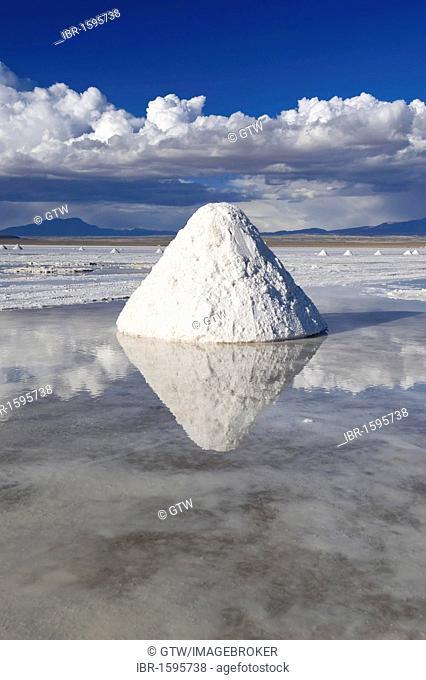Salt cone, Salar de Uyuni, Potosi, Bolivia, South America