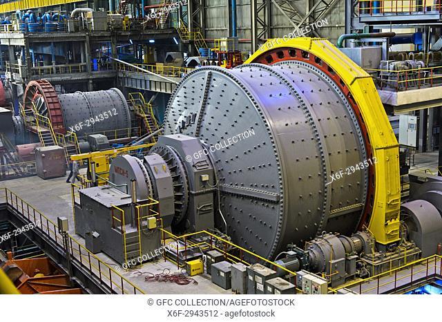 Ball mill for grinding larger rocks of copper ore, Erdenet Mining Corporation EMC, Erdenet Copper Mine, Erdenet, Mongolia