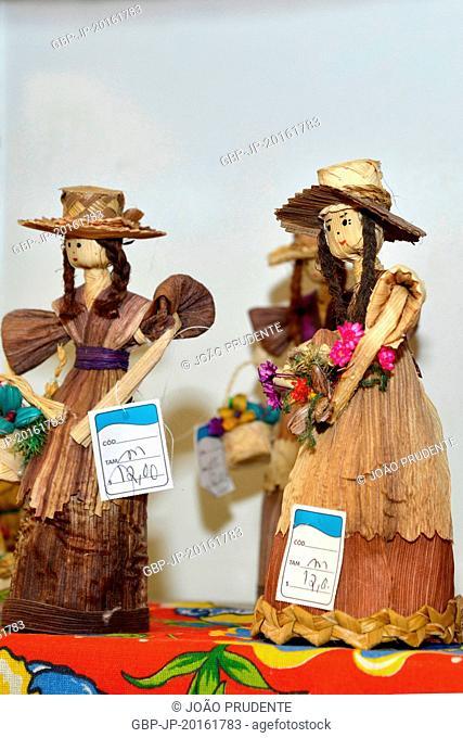 Dolls of corn straw on display at the handicraft fair, Valinhos, São Paulo, Brazil, 09.2015