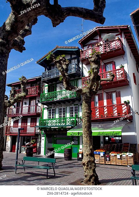Typical houses at Fuenterrabia village, Irun city area. Basque country. Gipuzkoa province. Euskadi, Spain