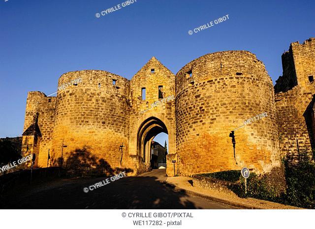 Porte des Tours, Domme, Dordogne, Aquitaine, France, Europe